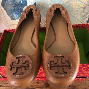 TORY BURCH ~ Tan Leather Flat ~ Orig Box ~ Size 10